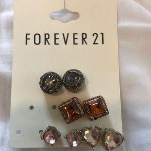 NWT earring pack